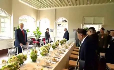 Donald Trump, Kim Jong-un - la masă