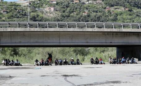 Refugiati la granita cu Franta