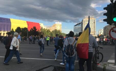"""Apel la non-violenţă al grupurilor civice. Mesajul către protestatari: """"Fiţi fermi, dar nu violenţi!\"""