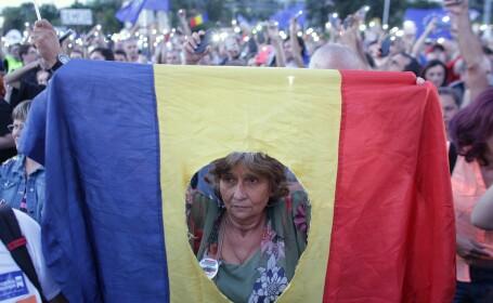 Peste 10.000 de oameni au protestat în Capitală, alte câteva mii, în marile orașe. Filmul manifestațiilor. VIDEO