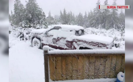 Zăpadă de câțiva centimetri, în mijlocul verii. Autoritățile au scos utilajele de deszăpezire