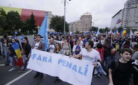 Protest de la Parlament la Piata Victoriei