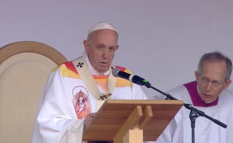 Papa Francisc a citat din Eminescu, la Iași: \