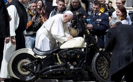 Papa Francisc şi motocicliştii germani