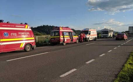 Autocar în care se aflau 25 de copii, implicat într-un accident provocat de un șofer băut