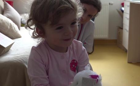Șansă unică pentru Anastasia, fetița născută fără iris