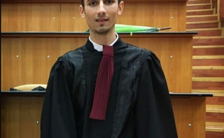 Un tânăr din Olt a învins liceul în instanță, după ce i-a fost scăzută nota la purtare