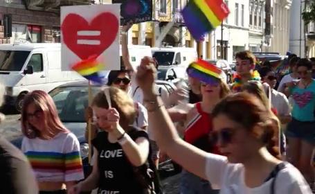 Marș LGBT cu mii de persoane, la Cluj Napoca. Au cerut legalizarea parteneriatului civil