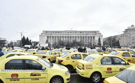 Miting organizat de Confederatia Operatorilor si Transportatorilor Autorizati din Romania (COTAR), in Piata Victoriei.