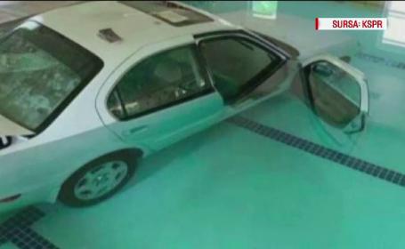 O femeie de 93 de ani a căzut în piscină cu mașina pe care o conducea