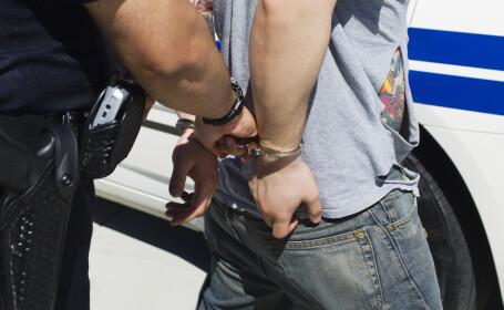 Traficanți de ființe umane, anchetați. 17 arestări în România, Franța și Marea Britanie