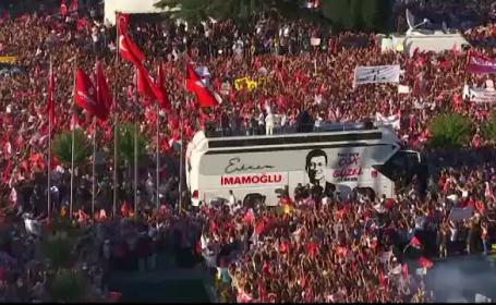 Sărbătoare la Istanbul la preluarea mandatului de către noul primar