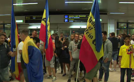 Moment emoţionant la revenirea în ţară a Naţionalei U21. Reacţia jucătorilor
