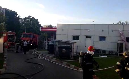 Incendiu lângă o benzinărie din Capitală. A fost afectat și un restauran