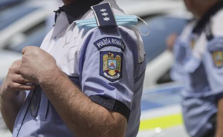 Apostrofat că mânca semințe în mașina de poliție, un infractor a strâns de gât un agent și i-a dat trei pumni în față