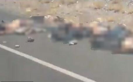 Cel puțin 10 cadavre găsite pe marginea unei șosele, în Mexic, după un război între carteluri
