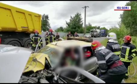 Accident cu doi răniți în Târgu Jiu, provocat de un taximetrist. Cum s-a întâmplat