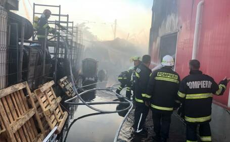 Incendiu puternic în Drobeta Turnu-Severin. Populația, avertizată prin RO-ALERT