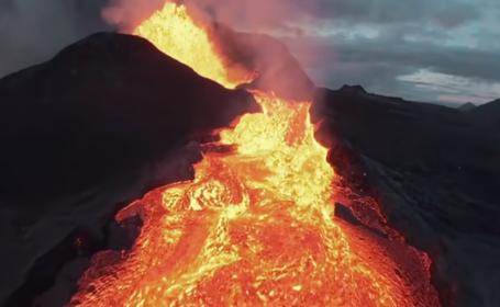 Momentul în care o dronă a fost înghițită de lava unui vulcan devenit activ după 6.000 de ani