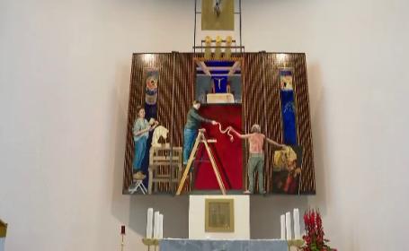 Fecioara Maria în blugi, pictată într-o biserică din Germania. Cum au reacționat credincioșii