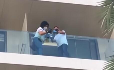 VIDEO. Tragedie în Ibiza. Doi tineri au murit după ce au căzut de la balconul unui hotel