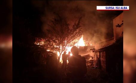 O magazie din Alba Iulia a ars ca o torță. Flăcările, înalte de câțiva metri, s-au extins rapid