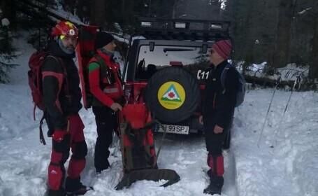 Turiști blocați în zăpadă în Bucegi, recuperați de salvamontiști. Plecaseră spre Crucea Caraiman