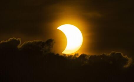 VIDEO. Imagini uimitoare din timpul eclipsei de soare. Cum s-a văzut în SUA și Canada
