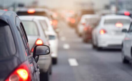 Mașinile poluante, pe cale de dispariție în UE. Comisia Europeană va prezenta anul viitor o propunere pentru a le elimina
