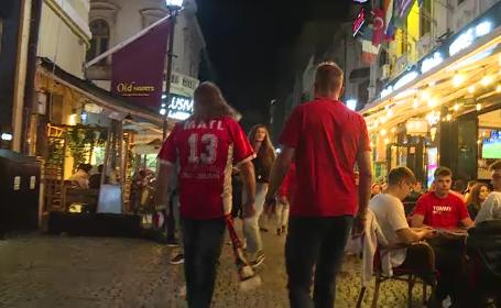 """EURO 2020. Suporterii străini, încântați de Centrul Vechi: """"Minunată viața de noapte, bere bună"""""""