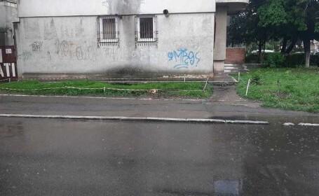 Explozii în subteran pe o stradă din Constanţa, posibil din cauza unor acumulări de gaze