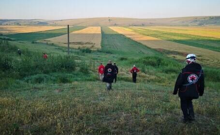 O fetiţă de 3 ani a fost găsită moartă pe un câmp, în județul Constanța. Ar fi fost ucisă de animale