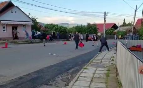Bătaie cu mese şi scaune într-un bar din Târgu Ocna. Cinci elevi din R. Moldova s-au încăierat cu localnicii