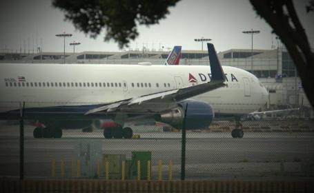 Un însoțitor de bord aflat în timpul liber a întrerupt zborul companiei Delta de la Atlanta