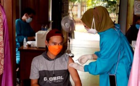 Sute de medici vaccinați cu serul chinezesc Sinovac în Indonezia s-au îmbolnăvit de COVID