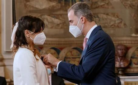 """Româncă decorată de regele Spaniei. Cu ce se ocupă Mihaela: """"nu credeam că voi trăi asta"""""""