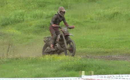 Campionatul Național de Enduro a avut loc în Dâmbovița. Ploile au făcut traseul aproape imposibil