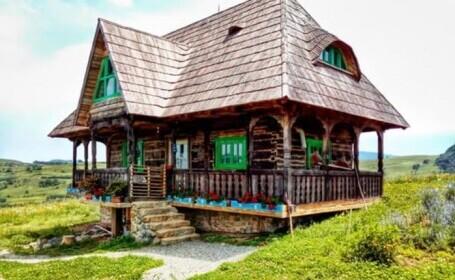 Grădina Raiului din Apuseni. Case vechi de 200 de ani, transformate în spații de cazare