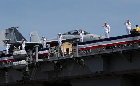 Marina SUA a provocat un cutremur, după detonarea a 18 tone de explozivi în apropierea unui portavion