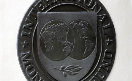 Analisti ai FMI anticipeaza un viitor sumbru pentru americani