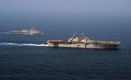 USS Ponce si USS Kearsarge
