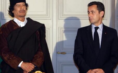 Muammar Gaddafi si Nicolas Sarkozy