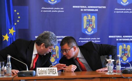 Gabriel Oprea si Mihai Razvan Ungureanu