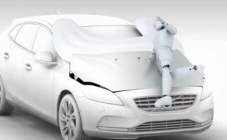 Volvo, airbag pietoni