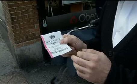 A gasit in gunoi un bilet castigator la loto. Cateva luni mai tarziu a inceput cosmarul vietii ei