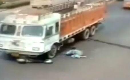 Un camion a trecut in viteza peste ea: ce s-a intamplat cu femeia din imagine