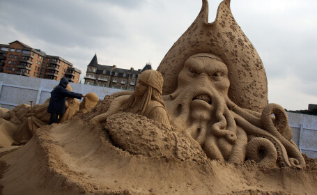 sculpturi in nisip