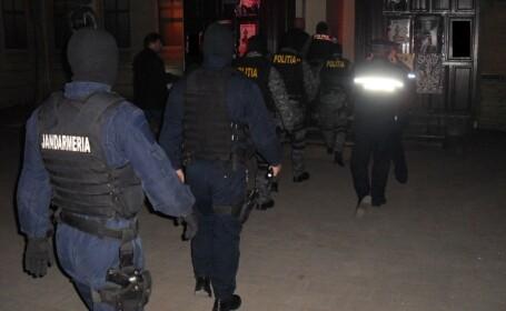 Razie de amploare. Peste 400 de politisti au verificat localurile din Timisoara si au dat amenzi de aproape 80.000 de lei