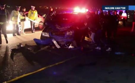 O persoana a murit si alte patru au fost ranite, in urma unui accident cumplit. Victima a virat fara sa se asigure