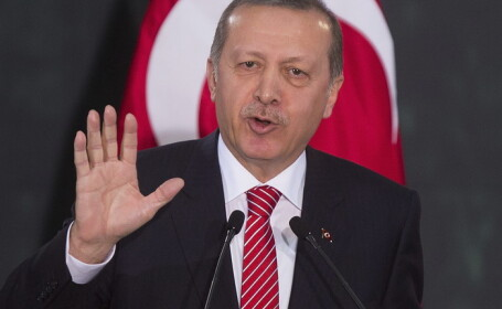Presedintele Turciei se teme sa nu fie otravit. Expertii ii vor analiza mancarea intr-un laborator din palatul prezidential